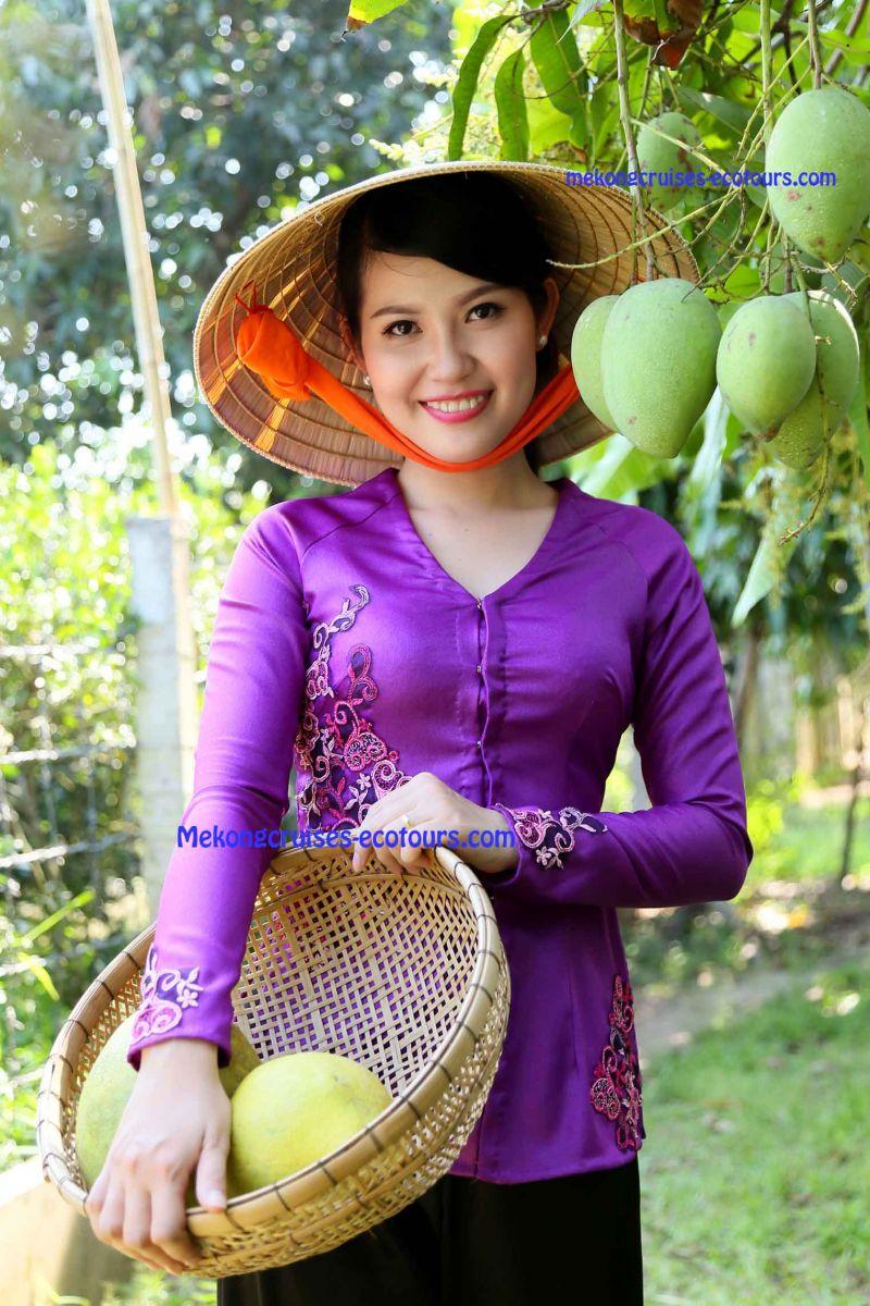 """Mekong%20Ecotour%20-%20""""AO%20BA%20BA""""-%20the%20Southern%20Traditional%20Shirt"""