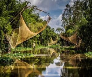 Cai Rang Floating Market - MEKONG ONE DAY TOUR - Mekong Eco tours - Phong Dien floating Market